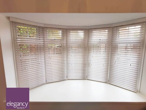 Venetian blinds for the bow window