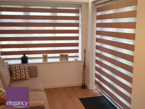 Motorised day and night blinds